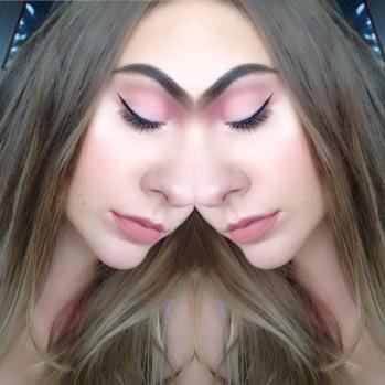 Pink makeup look - blush