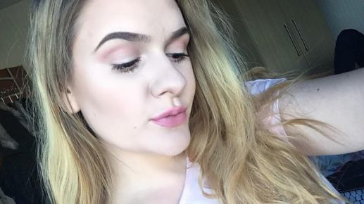 Barbie makeup look