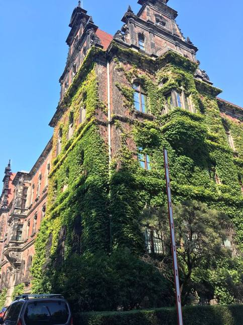 Nice building.jpg